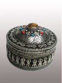 Jewellery box White metal ..